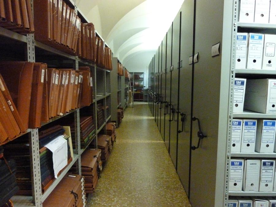 Archivo y hemeroteca FPI