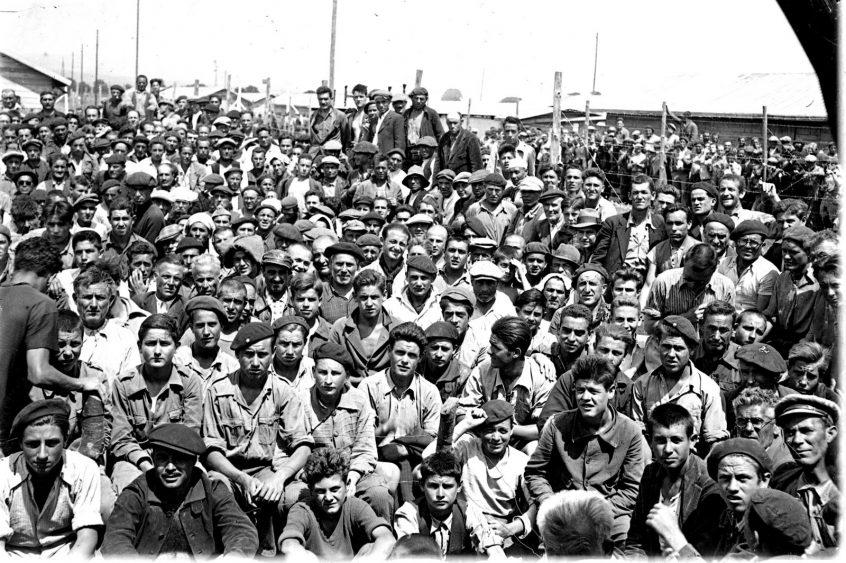 Imagen de un grupo de refugiados